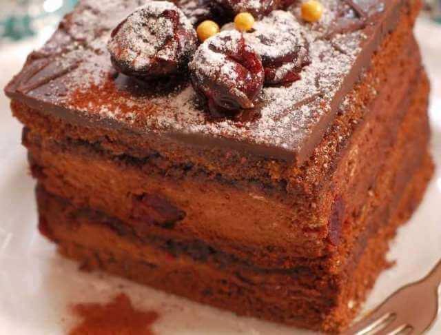 Kolač sa čokoladom i višnjama