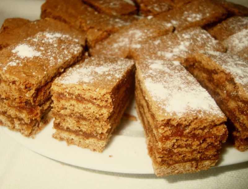 kolač sa medom
