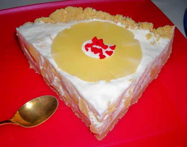 kolac sa ananasom