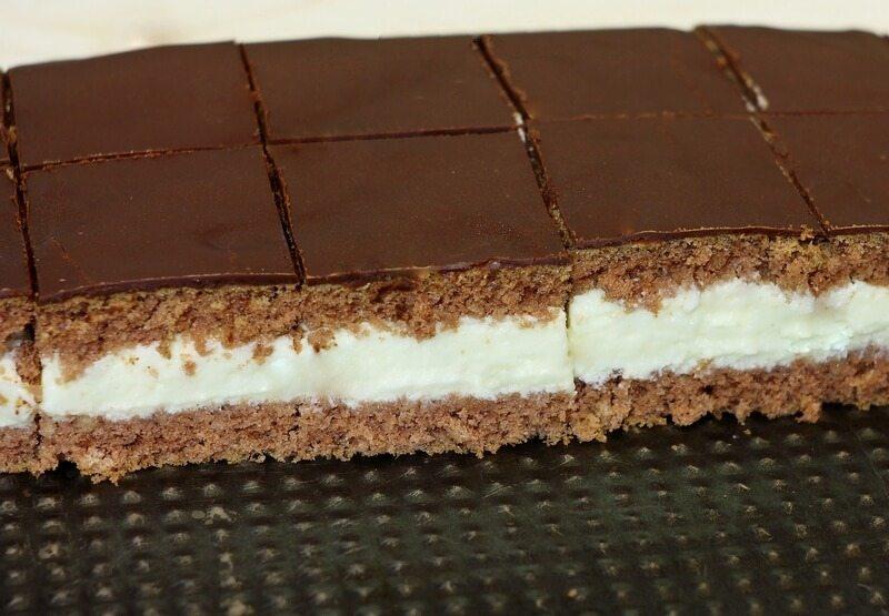 Krem kolač sa belom čokoladom