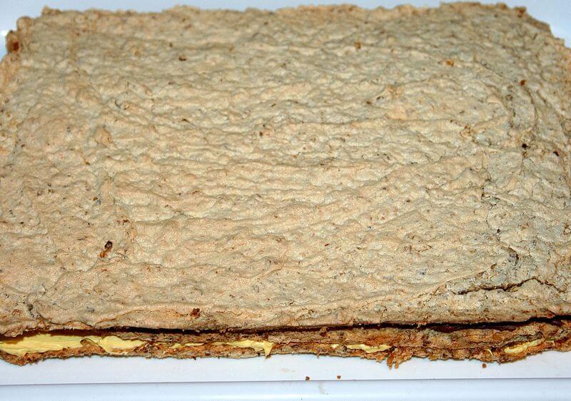 kolac-sa-orasima-i-dva-krema (3)