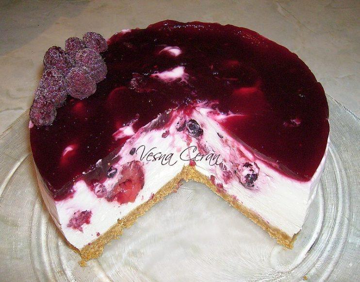 cizkejk-sa-sumskim-vocem-cheesecake.