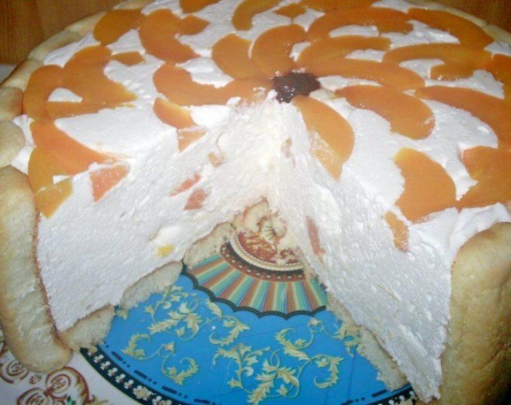 torta sa breskvama i piskotama