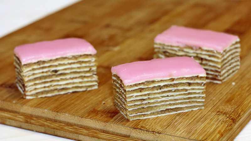 rozen torta