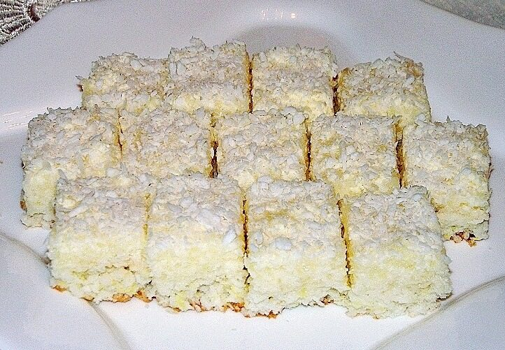 kokos kolac sa ananasom