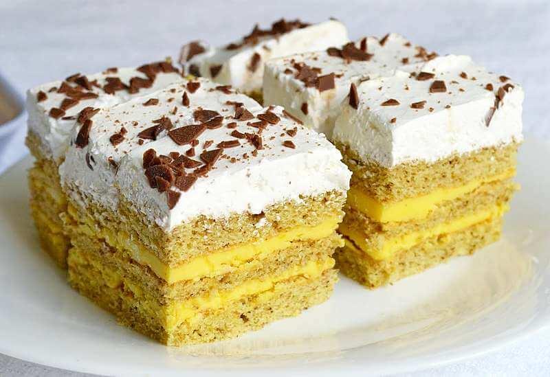 kolac sa orasima i vanila kremom