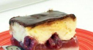 kolac sa visnjama i grizom