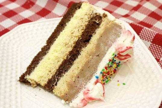 fina kremasta torta
