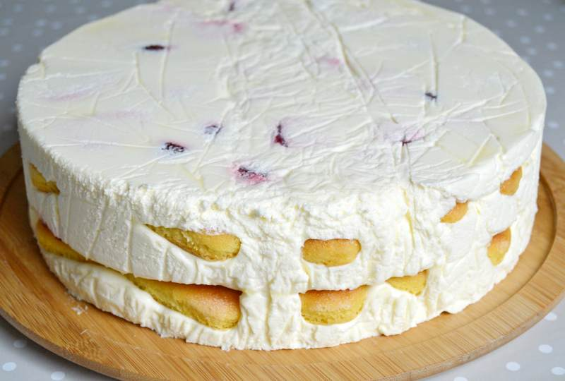 torta sa vocem i piskotama